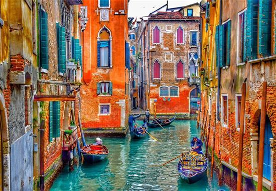 Karneval v Benátkách - Itálie